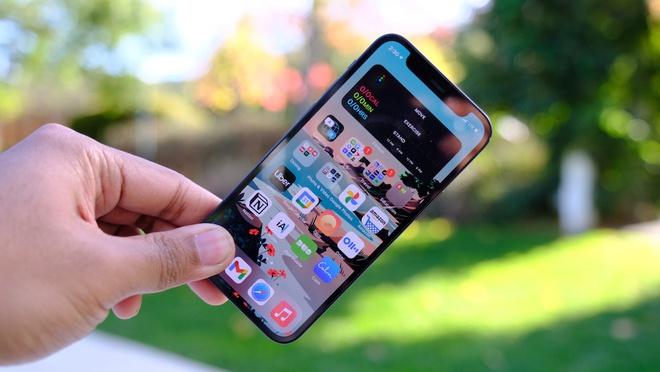Giá iPhone 12 Mini và iPhone 12 chạm đáy - ảnh 1