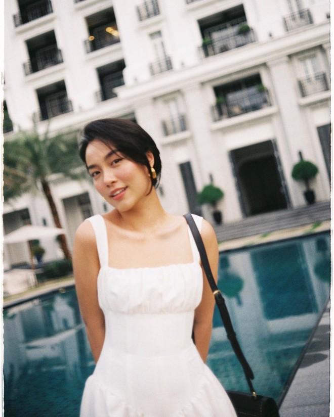 """""""Bản sao Hà Tăng"""" đích thị là chuyên gia diện váy với 5 kiểu cực trẻ xinh, tinh tế khiến chị em muốn sắm theo hết để mặc Tết - Ảnh 5."""