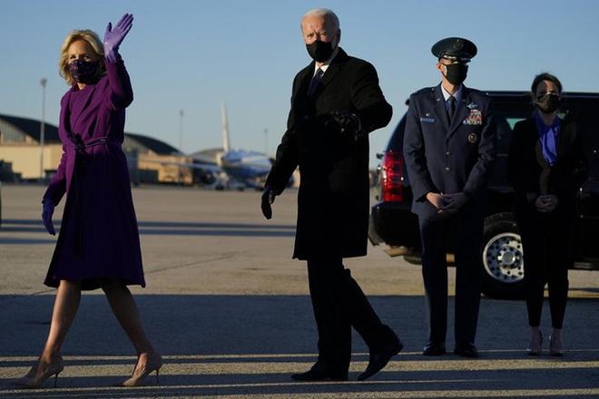 Ông Biden xúc động rơi nước mắt trước khi đến Washington nhậm chức - ảnh 3