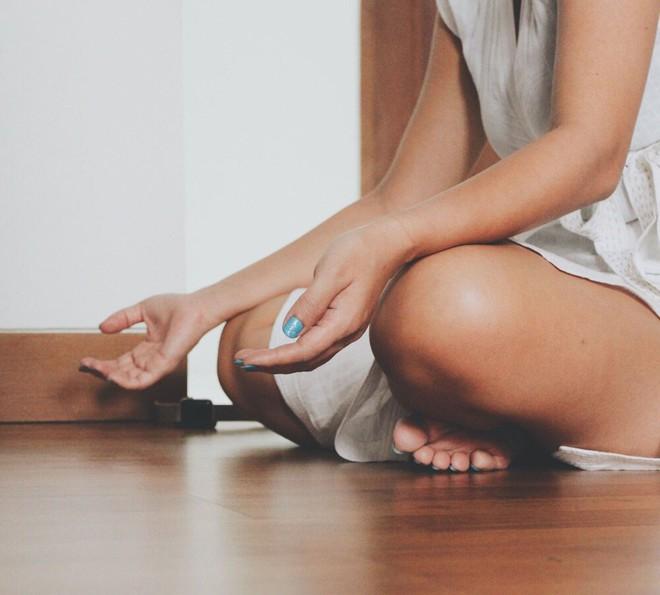 Dành 15 phút mỗi sáng ngồi thiền giống Amee: bạn có thể thu về hàng tá lợi ích tốt cho cơ thể lẫn não bộ - Ảnh 4.