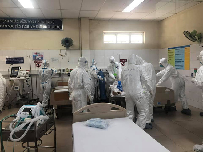 Chuyện chưa kể về một nữ điều dưỡng từng trực tiếp chăm sóc 20 bệnh nhân Covid-19 trong tâm dịch Đà Nẵng - ảnh 8