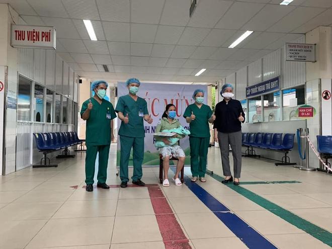 Chuyện chưa kể về một nữ điều dưỡng từng trực tiếp chăm sóc 20 bệnh nhân Covid-19 trong tâm dịch Đà Nẵng - ảnh 7