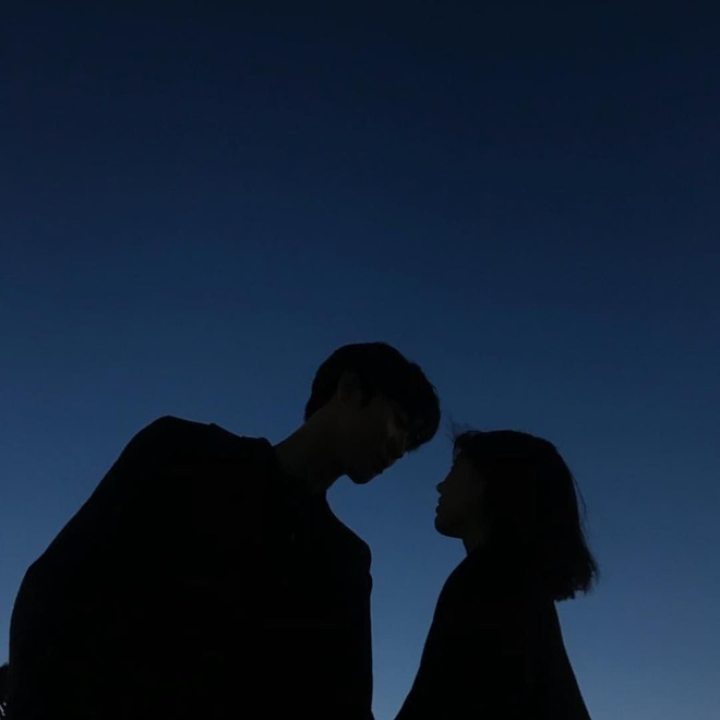 Những mối tình lâu năm trong bóng tối còn đáng sợ hơn cả những mối tình thầm, vì khi nó vỡ, ta chết cả tâm can - ảnh 2