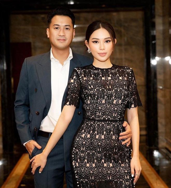 Gái xinh xúng xính chuẩn bị dự WeChoice Awards, Hà Trúc lục tủ chặt chém thảm đỏ với giày cao gót 14cm - ảnh 11