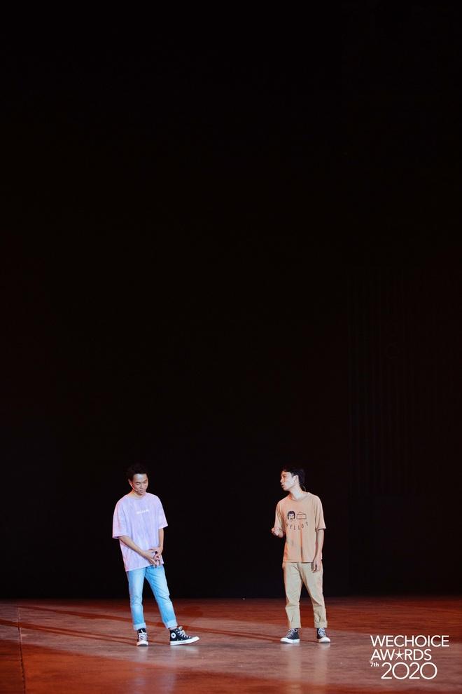 Dàn sao khoe sắc tại buổi tổng duyệt WeChoice 2020: Hoàng Thùy Linh cực xinh, MCK - Tlinh phát cẩu lương, Bích Phương đi luôn với gấu? - ảnh 16