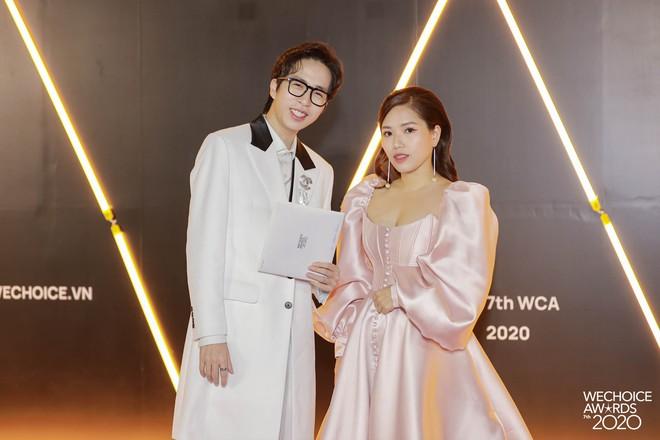 Thảm đỏ WeChoice Awards 2020 xuất hiện vũ trụ game thủ/ streamer Việt, ai cũng xinh đẹp lịch lãm đến bất ngờ - Ảnh 8.