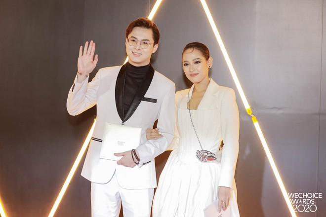 Dàn hot couple sánh vai tại Gala WeChoice Awards: Linh Rin - Phillip Nguyễn trông như vợ chồng son, Wean - Naomi bao ngầu - ảnh 13