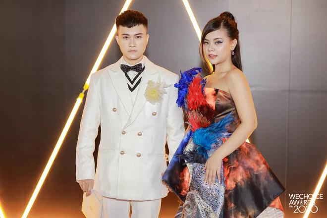 Dàn hot couple sánh vai tại Gala WeChoice Awards: Linh Rin - Phillip Nguyễn trông như vợ chồng son, Wean - Naomi bao ngầu - ảnh 12