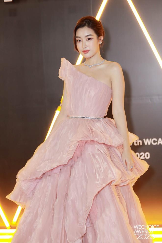 WeChoice 2020 là sự kiện hiếm hoi quy tụ cả quân đoàn Hoa hậu, Á hậu: 2 nàng hậu họ Đỗ điệu đà, H'Hen Niê - Khánh Vân quá bốc lửa - ảnh 9