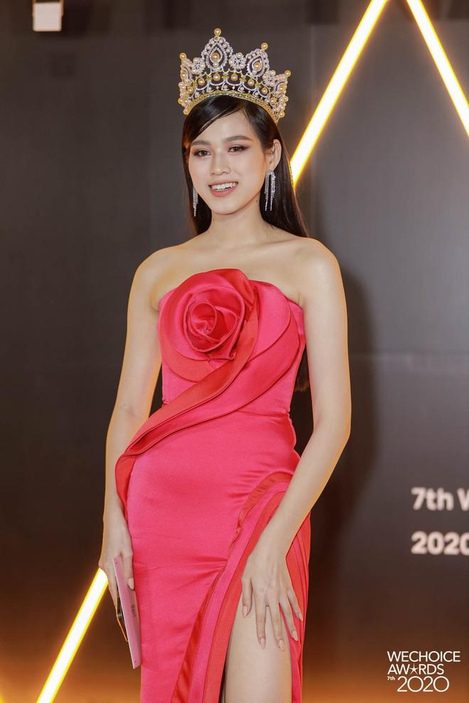 WeChoice 2020 là sự kiện hiếm hoi quy tụ cả quân đoàn Hoa hậu, Á hậu: 2 nàng hậu họ Đỗ điệu đà, H'Hen Niê - Khánh Vân quá bốc lửa - ảnh 11