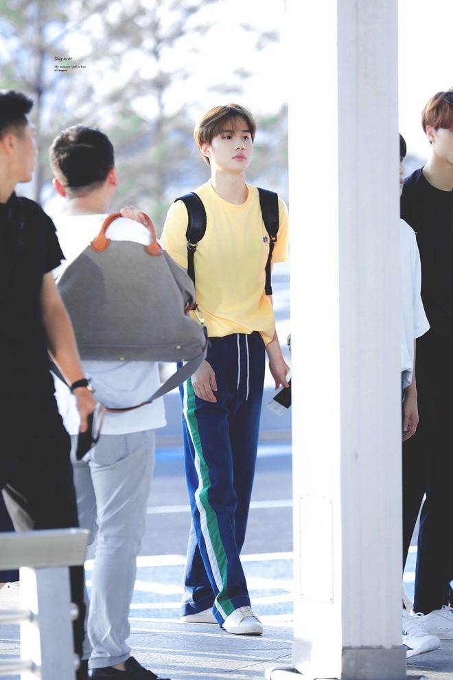 3 idol Kpop body chuẩn bạn trai nhà người ta chuẩn gu Hàn: Jin (BTS) vai rộng cực phẩm, 2 idol body tam giác ngược còn đỉnh hơn? - ảnh 17
