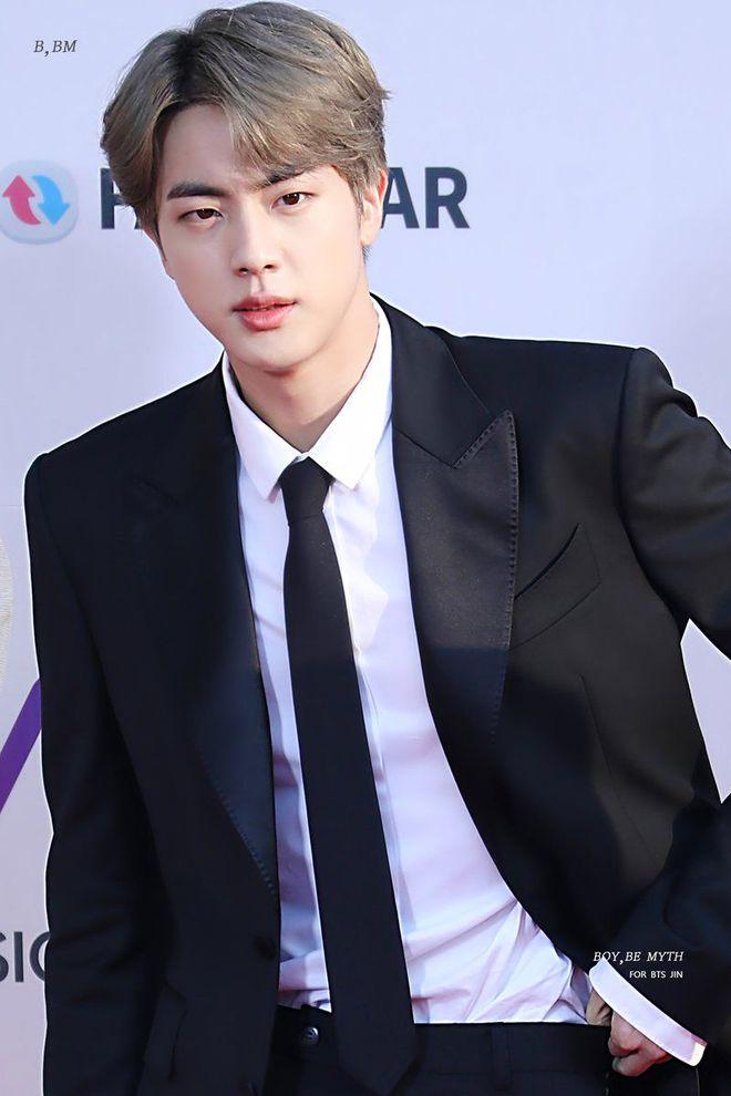 3 idol Kpop body chuẩn bạn trai nhà người ta chuẩn gu Hàn: Jin (BTS) vai rộng cực phẩm, 2 idol body tam giác ngược còn đỉnh hơn? - ảnh 6