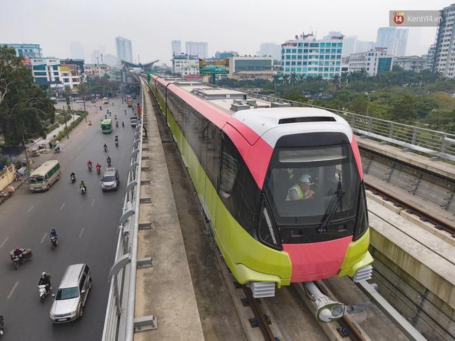 Ảnh: Cận cảnh đoàn tàu đầu tiên dự án Nhổn - ga Hà Nội - ảnh 1