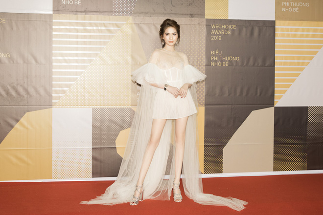 Ngọc Trinh qua 4 kỳ WeChoice Awards: Style biến hóa khôn lường, nhan sắc ngây thơ nhường chỗ cho thần thái chị đại - ảnh 7