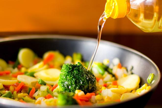 3 loại gia vị trong căn bếp có thể ngấm ngầm gây tổn thương gan, nên ăn càng ít càng tốt - Ảnh 2.