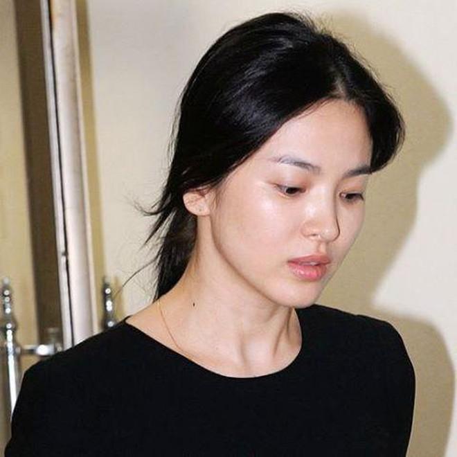 Đọ mặt mộc của dàn mỹ nhân Hàn: Song Hye Kyo vẫn là huyền thoại, hình ảnh không son phấn mới nhất của Suzy lại khiến dân tình phát sốt - ảnh 7