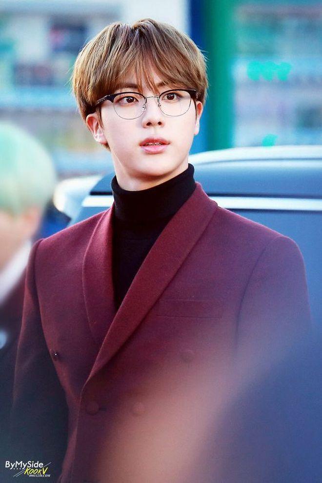 3 idol Kpop body chuẩn bạn trai nhà người ta chuẩn gu Hàn: Jin (BTS) vai rộng cực phẩm, 2 idol body tam giác ngược còn đỉnh hơn? - ảnh 7
