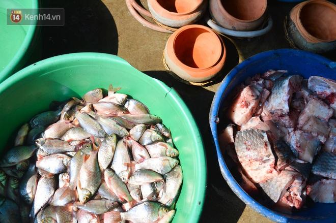 Sự kỳ công của người dân làng Vũ Đại để tạo ra nồi cá kho ngon nức tiếng: Chỉ cần sơ ý vài giây, nồi cá bạc triệu sẽ cháy thành than - ảnh 10