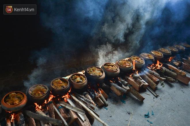 Sự kỳ công của người dân làng Vũ Đại để tạo ra nồi cá kho ngon nức tiếng: Chỉ cần sơ ý vài giây, nồi cá bạc triệu sẽ cháy thành than - ảnh 4