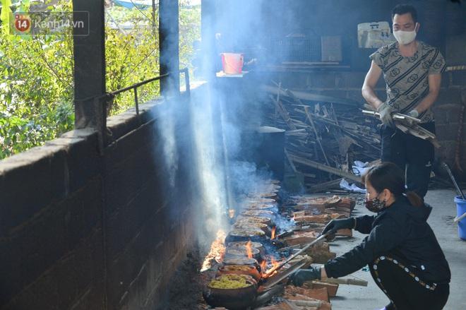Sự kỳ công của người dân làng Vũ Đại để tạo ra nồi cá kho ngon nức tiếng: Chỉ cần sơ ý vài giây, nồi cá bạc triệu sẽ cháy thành than - ảnh 22
