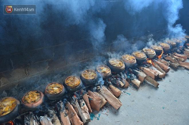 Sự kỳ công của người dân làng Vũ Đại để tạo ra nồi cá kho ngon nức tiếng: Chỉ cần sơ ý vài giây, nồi cá bạc triệu sẽ cháy thành than - ảnh 5
