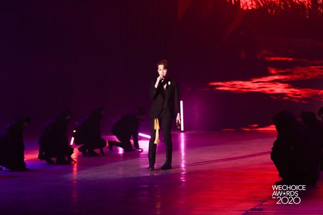 Jack phối mới Hoa Hải Đường, diễn cực sung có ngay sân khấu để đời tại WeChoice Awards 2020! - ảnh 6