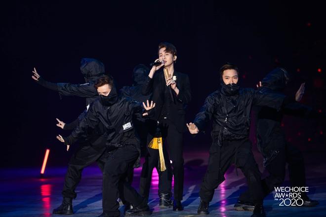 Jack phối mới Hoa Hải Đường, diễn cực sung có ngay sân khấu để đời tại WeChoice Awards 2020! - ảnh 3