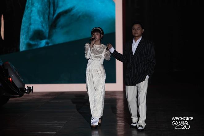 Hiền Hồ và Hoà Minzy đọ giọng đầy thăng hoa, câu chuyện về người thứ ba được đẩy lên cung bậc hoàn toàn mới tại Gala WCA 2020 - ảnh 6