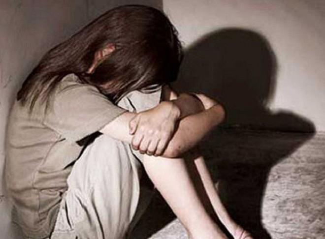 Được cho ở nhờ, gã tài xế nhiều lần lẻn vào phòng hiếp dâm bé gái 11 tuổi - ảnh 1