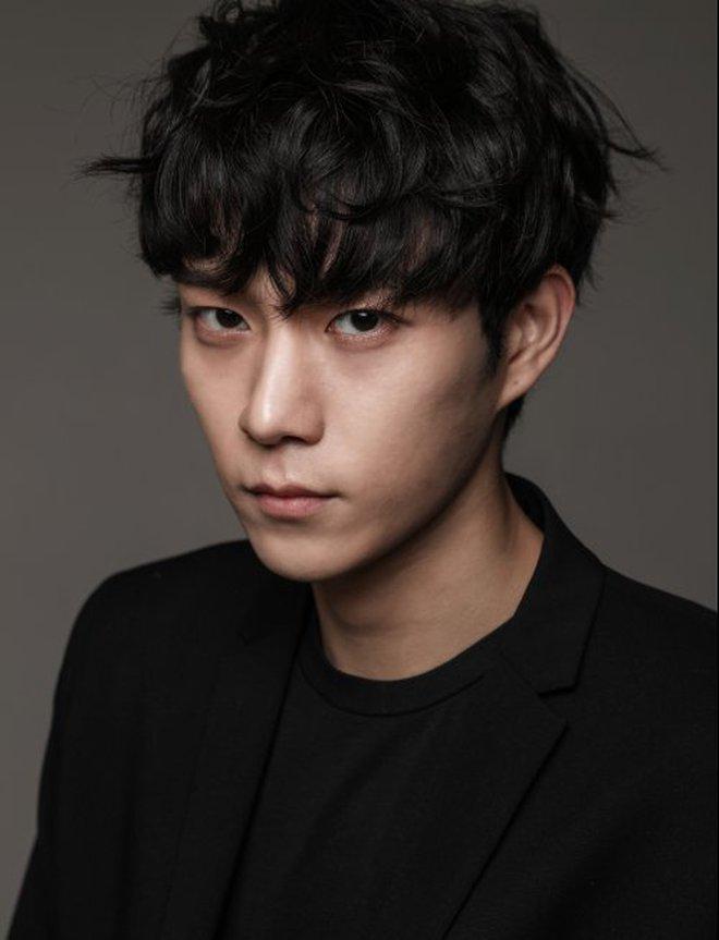 Thiếu gia Kim Young Dae của Penthouse chốt đơn làm cameo True Beauty, lại thêm người cầm cưa Moon Ga Young hả? - ảnh 5