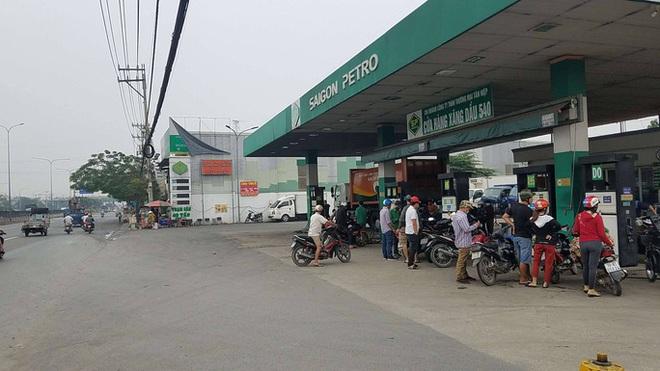 Nổ súng ở 1 cây xăng tại quận Bình Tân, TP.HCM - ảnh 1