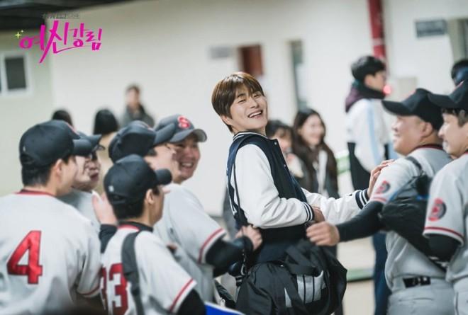 Thiếu gia Kim Young Dae của Penthouse chốt đơn làm cameo True Beauty, lại thêm người cầm cưa Moon Ga Young hả? - ảnh 3