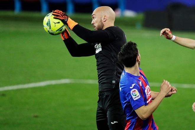 Đội bóng La Liga chơi lớn, cho thủ môn lên sút phạt đền - ảnh 5