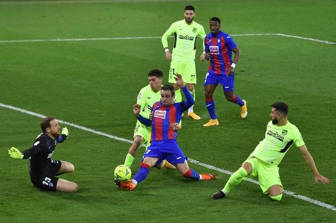 Đội bóng La Liga chơi lớn, cho thủ môn lên sút phạt đền - ảnh 7