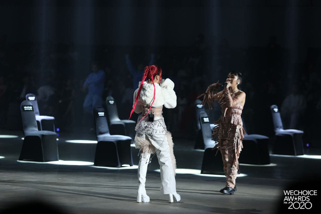 Tlinh và Mỹ Anh mở màn Gala WeChoice với Lời Cảm Ơn đầy ấn tượng, khẳng định tài năng của nghệ sĩ Gen Z! - ảnh 9