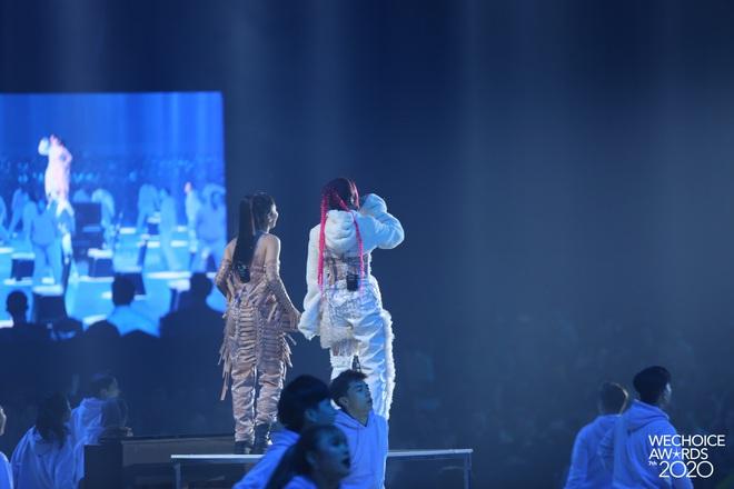 Tlinh và Mỹ Anh mở màn Gala WeChoice với Lời Cảm Ơn đầy ấn tượng, khẳng định tài năng của nghệ sĩ Gen Z! - ảnh 10