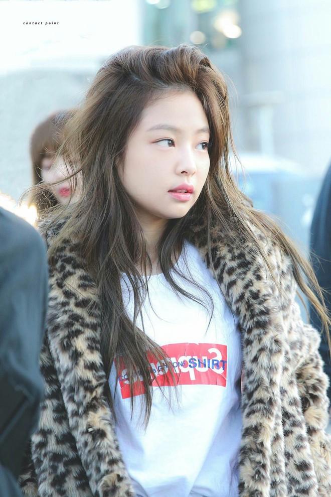 Đọ mặt mộc của dàn mỹ nhân Hàn: Song Hye Kyo vẫn là huyền thoại, hình ảnh không son phấn mới nhất của Suzy lại khiến dân tình phát sốt - ảnh 25