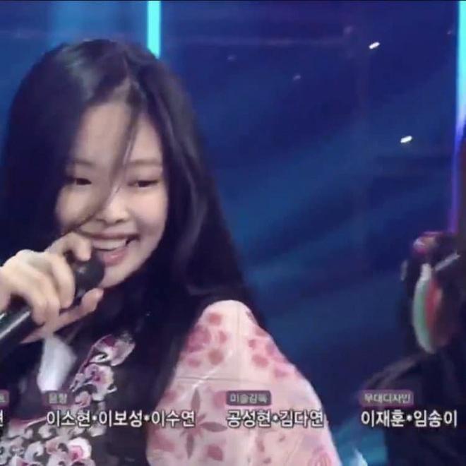 Đọ mặt mộc của dàn mỹ nhân Hàn: Song Hye Kyo vẫn là huyền thoại, hình ảnh không son phấn mới nhất của Suzy lại khiến dân tình phát sốt - ảnh 24