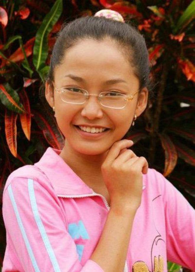 Nhỏ Hạnh trong Kính Vạn Hoa sau 16 năm: Nhận học bổng khi đang đóng phim, đi du học giờ làm cô giáo xinh hack tuổi - ảnh 1