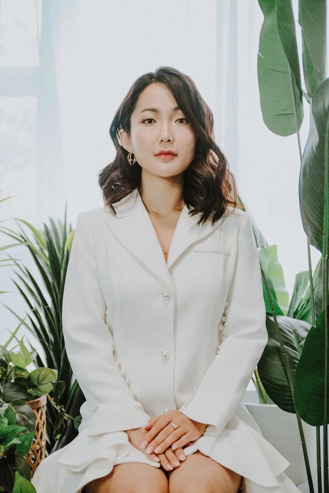 Nhỏ Hạnh trong Kính Vạn Hoa sau 16 năm: Nhận học bổng khi đang đóng phim, đi du học giờ làm cô giáo xinh hack tuổi - ảnh 2