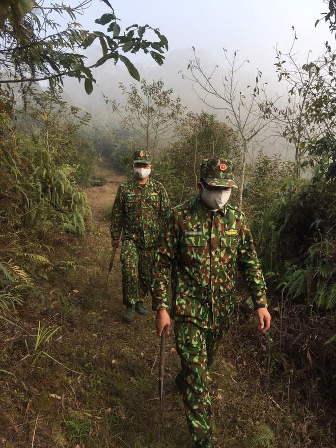 Cận cảnh cuộc sống của bộ đội biên phòng dưới cái rét cắt da cắt thịt nơi địa đầu Tổ quốc - ảnh 2