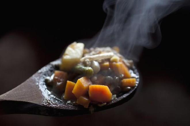 3 loại thực phẩm mà dạ dày rất SỢ nhưng nhiều người vẫn vô tư ăn hàng ngày - ảnh 3