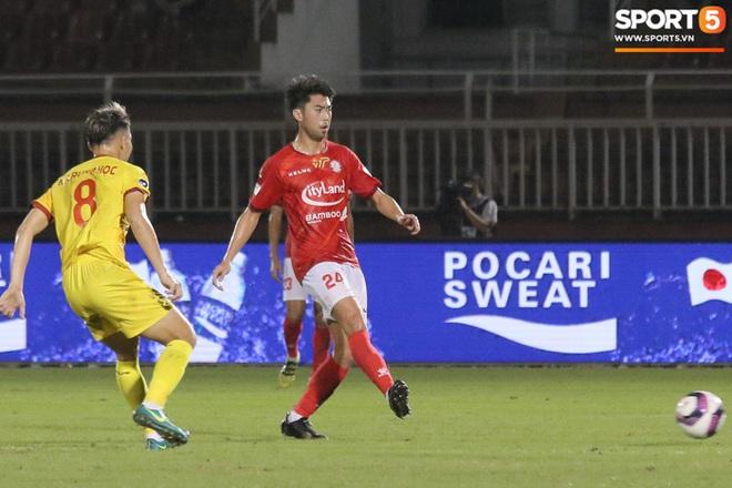 Cầu thủ Việt kiều Lee Nguyễn ra mắt chưa trọn vẹn - ảnh 6