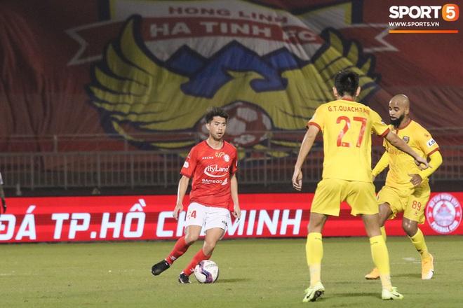 Cầu thủ Việt kiều Lee Nguyễn ra mắt chưa trọn vẹn - ảnh 9