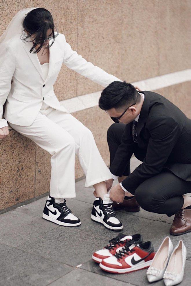 Lác mắt trước hội nhà gái theo hệ sneaker, toàn Air Jordan xịn sò trong đám cưới của cô dâu gốc Hoa - ảnh 5