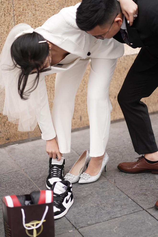 Lác mắt trước hội nhà gái theo hệ sneaker, toàn Air Jordan xịn sò trong đám cưới của cô dâu gốc Hoa - ảnh 4