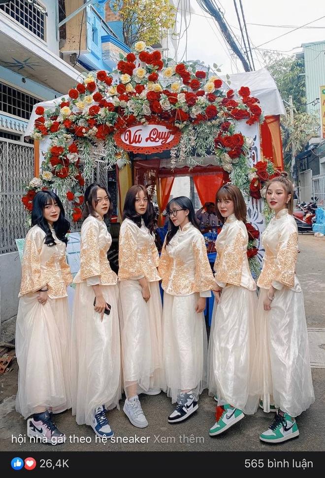 Lác mắt trước hội nhà gái theo hệ sneaker, toàn Air Jordan xịn sò trong đám cưới của cô dâu gốc Hoa - ảnh 6