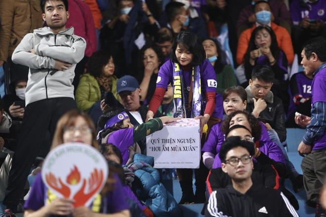 Các tuyển thủ đồng hành cùng chương trình từ thiện quy tụ các hội fan bóng đá trên khắp cả nước - ảnh 2