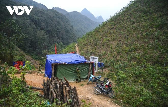 Dịch Covid-19 ngày 28/1: 2 ca bệnh mới di chuyển dày đặc, Quảng Ninh phát hiện thêm 10 ca nghi mắc trong cộng đồng - Ảnh 3.