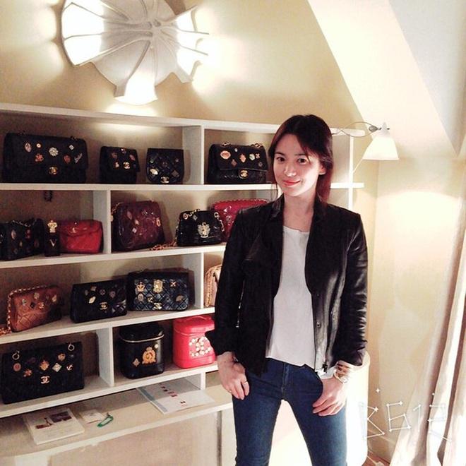 Soi chiếc túi mà Son Ye Jin cầm đi hẹn hò với Hyun Bin: Hóa ra cũng là 1 tín đồ thích hàng độc giống Song Hye Kyo - Ảnh 3.